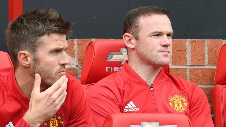 Wayne Rooney, Michael Carrick vắng mặt ở trận đấu với St Etienne rạng sáng mai.