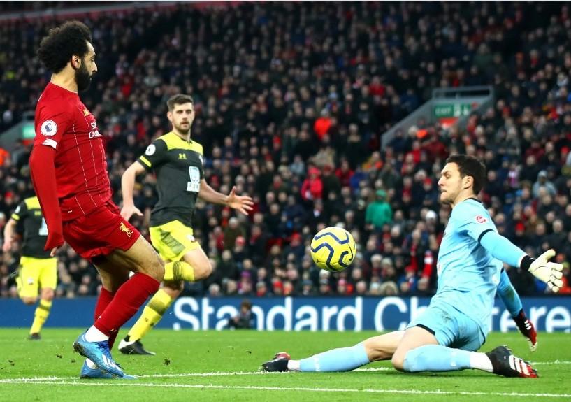Mohamed Salah lập cú đúp giúp Liverpool vùi dập Southampton.