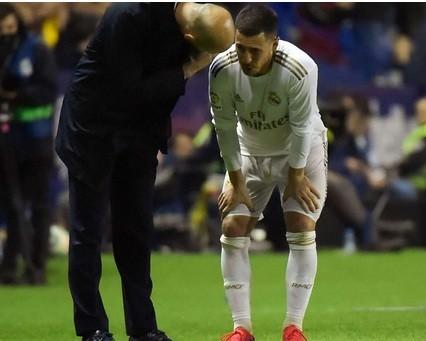 Eden Hazard dính chấn thương nặng trong trận thua 0-1 trước Levante.