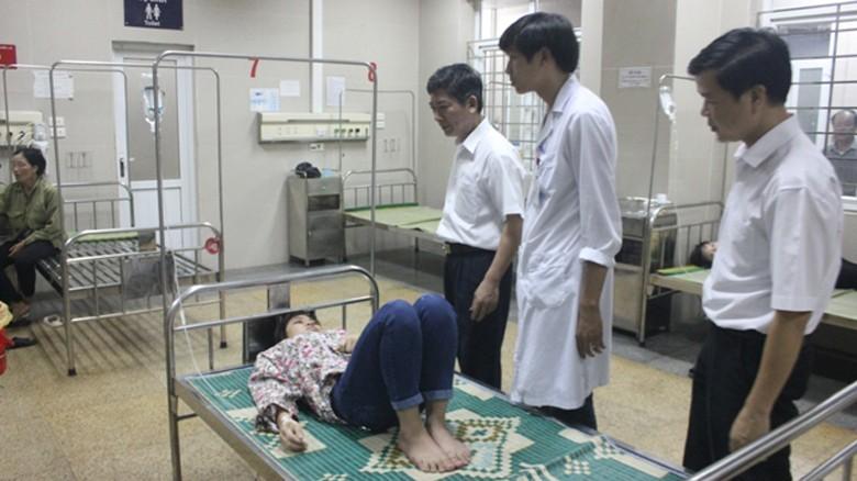 Công nhân nhập viện nghi do ngộ độc thức ăn