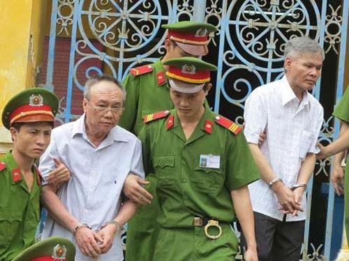 Vũ Quốc Hảo (phải) bị kết án tử hình trong vụ án tham nhũng xảy ra tại ALC II. Ảnh: Zing
