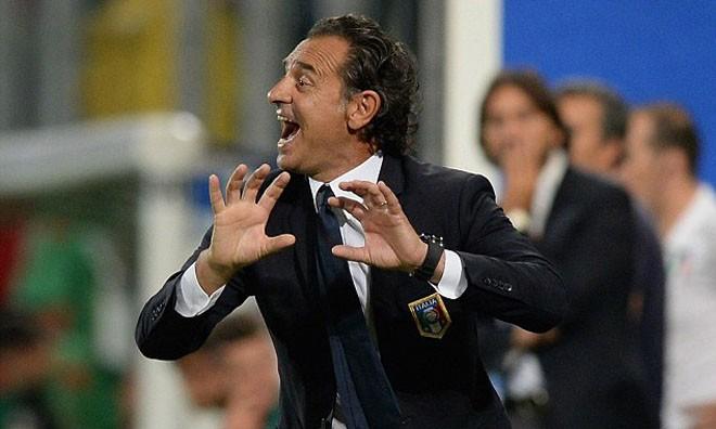 Cesare Prandelli loạn đao pháp!
