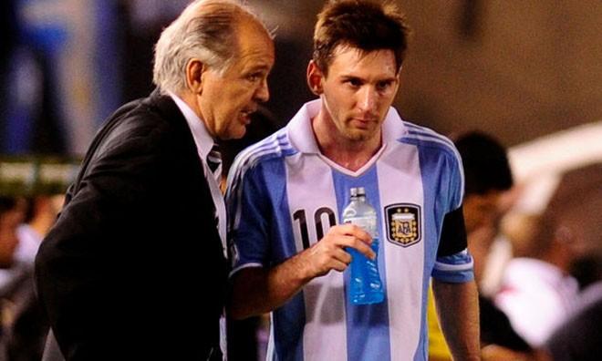 Messi một lần nữa trở thành người hùng Argentina