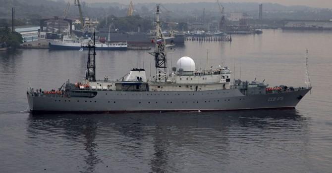 Tàu trinh sát Nga lượn gần căn cứ tàu ngầm Mỹ